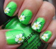 easy-flower-nail-art-spring-green