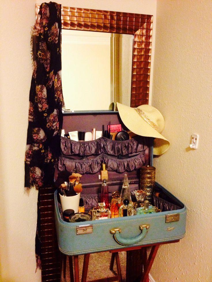 25 Best Ideas About Vintage Vanity On Pinterest Vanity Table Vintage Vintage Makeup Vanities