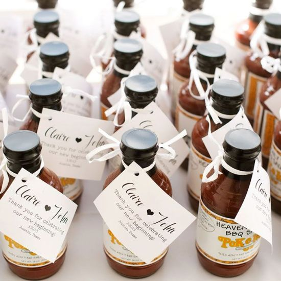 We love the idea of bottling up jars of barbecue sauce from your favorite BBQ joint to give to your guests.