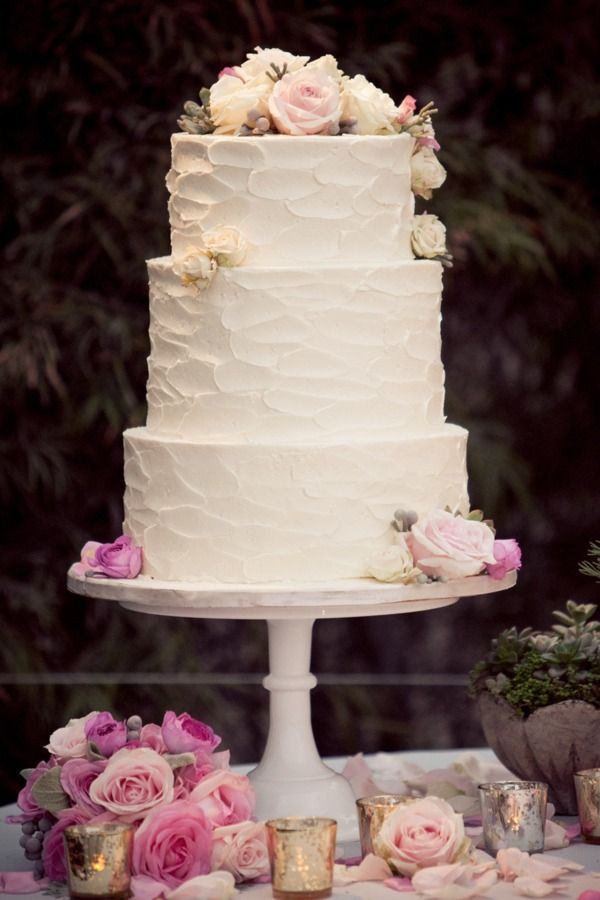 @Lauren Mossien Perfect 3 tier wedding cake, simple and no fondant