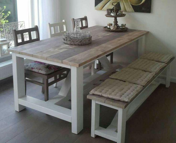 Mooie tafel en stoelen en bankje van steigerhout  Home