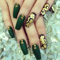 25+ best ideas about Emerald nails on Pinterest
