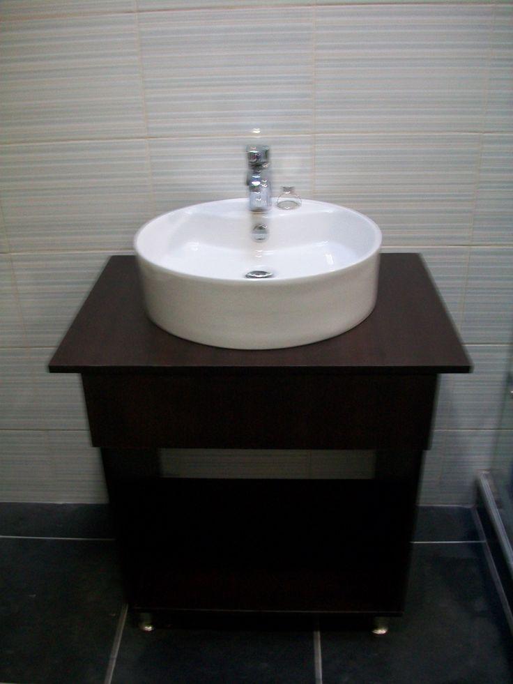Fabricado por CG Arte y Decoracin Mueble de Bao con lavamanos de sobre montar patas
