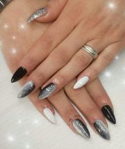 work nail art dark&white