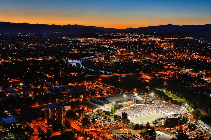 Cat In Fall Wallpaper Background Washington Grizzly Stadium With The Gorgeous Town Of