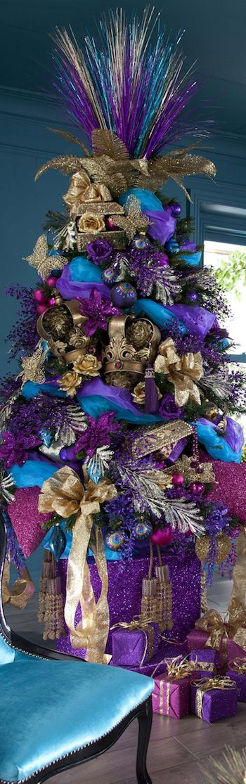 """Purple Christmas – I like it! Id never """"do"""" it, but the inner artist in me appreciates the creativity in this design."""
