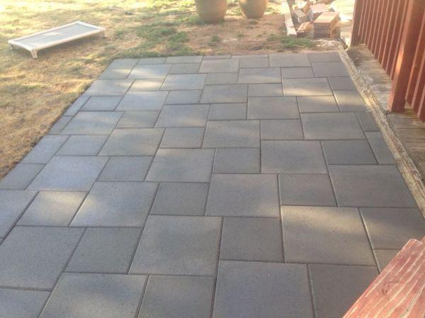patio of inexpensive concrete pavers