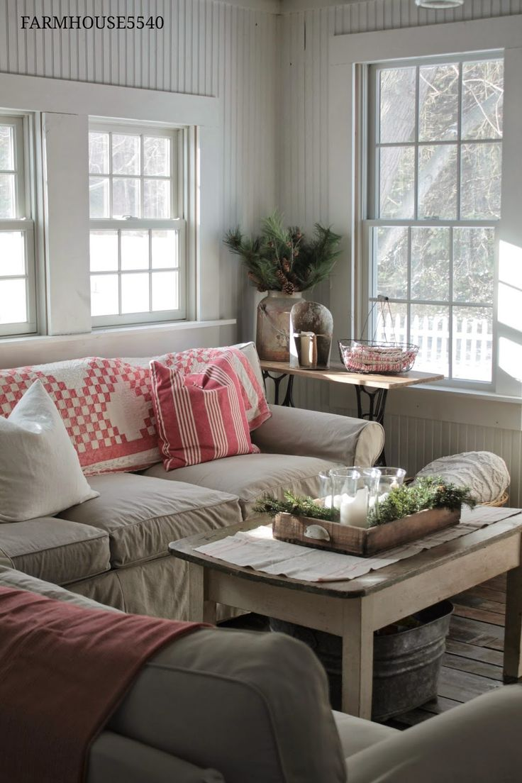 Comfy Vintage Cottage Beach Sofas
