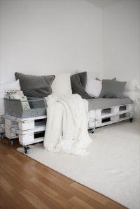 Best 25+ Pallet couch outdoor ideas on Pinterest | Pallet ...