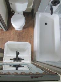 25+ Best Ideas about Tiny Bathrooms on Pinterest | Modern ...