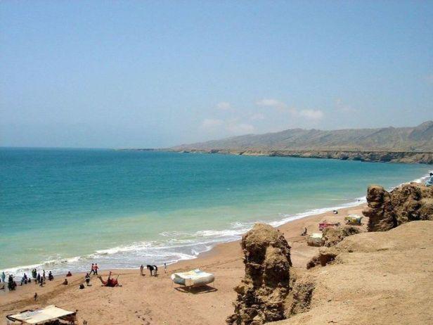 Risultati immagini per Clifton Beach karachi