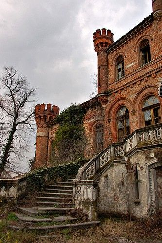 343 best abandoned mansions images on Pinterest