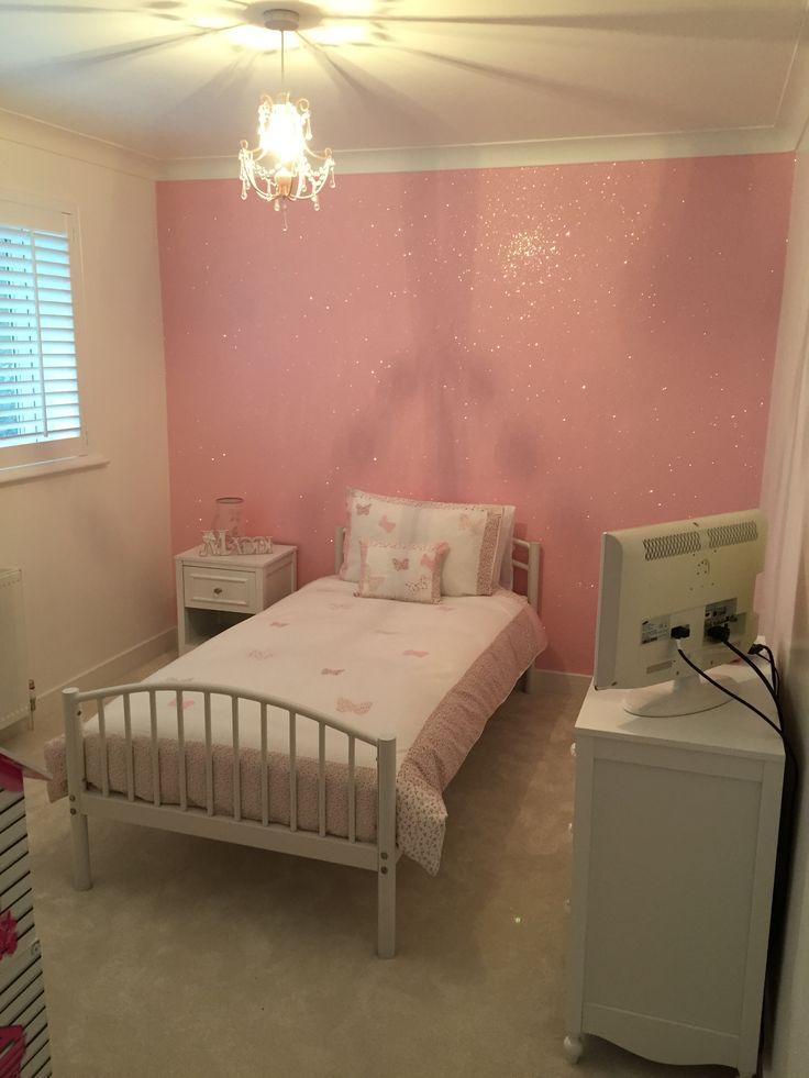 Baby Girl Nursery Pink Wallpaper Baby Pink Glitterwallpaper Used Here In A Girls Bedroom