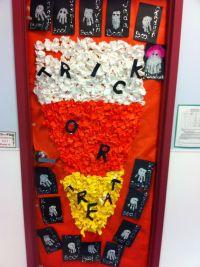 autumn door decorations   Fall and Halloween Door Display ...