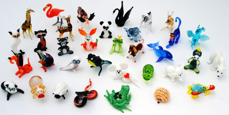 Hand made glass animal kingdom Figurines range in size between 15 and 4 inches In PA we