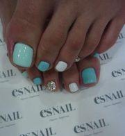 cute toe polish summer