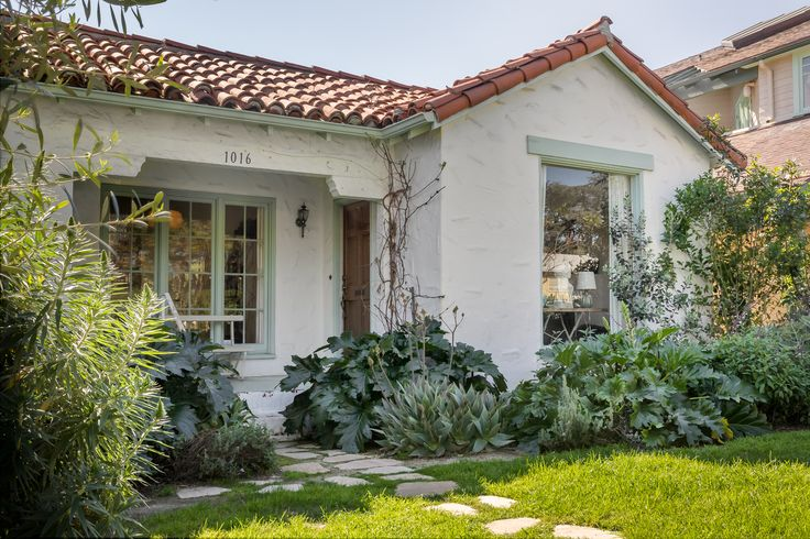 Darling Santa Monica cottage asks 2149M  Spanish The o