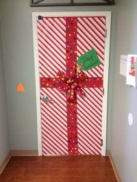 Gift Wrap Door Dcor