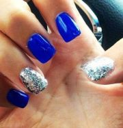 royal blue nails ball