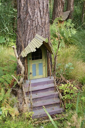 Garden Gnome front door   I'm doing this my kids an I love to use our imaginatio
