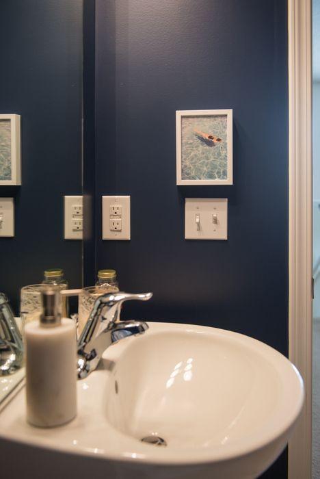 25 best ideas about Navy bathroom decor on Pinterest