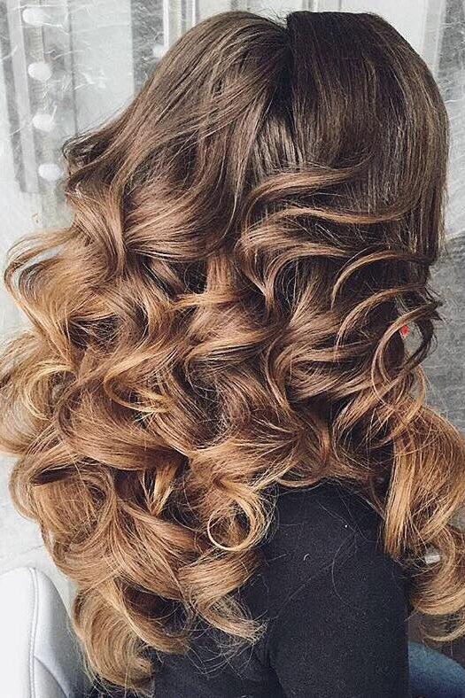Voluminous Curls On Antoninaromanova