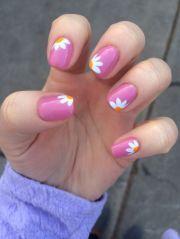 daisies pink polish