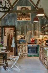 78+ images about Corrugated metal decorating ideas on ...