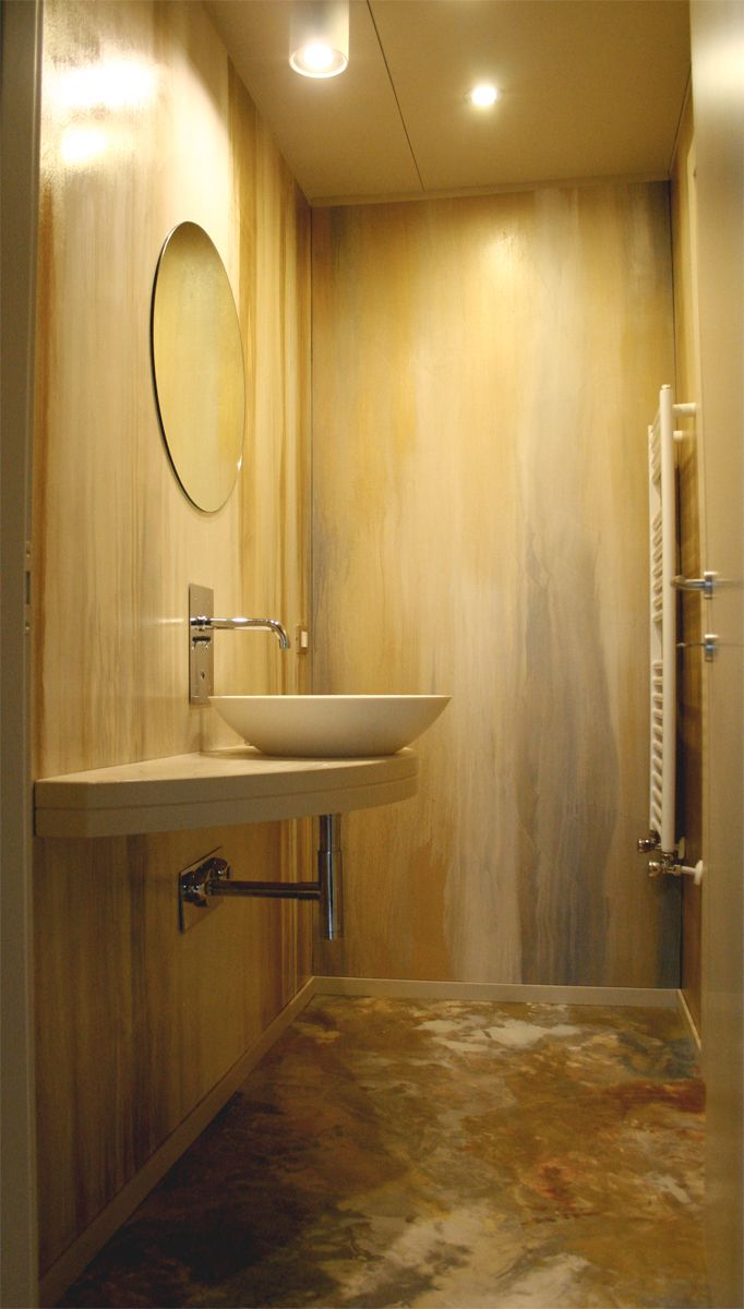 bagno in resina decorata rame oro e argento in polverepavimento e pareti  STUDIO ADP21 www