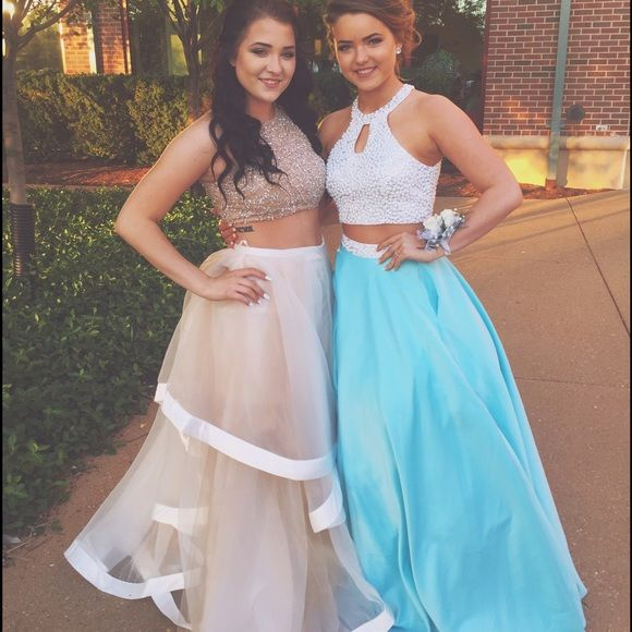 1000 ideas about Baby Blue Prom Dresses on Pinterest  Grad dresses Pretty dresses and
