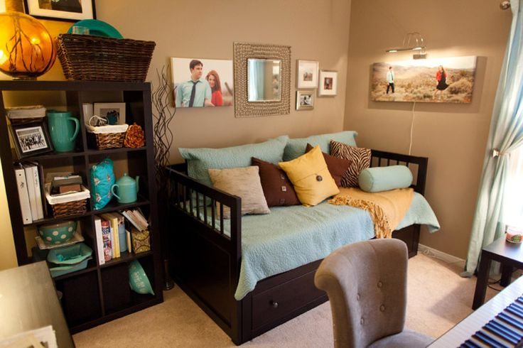 guest room/office; so cute! definitely love the piano tucked in there, too.