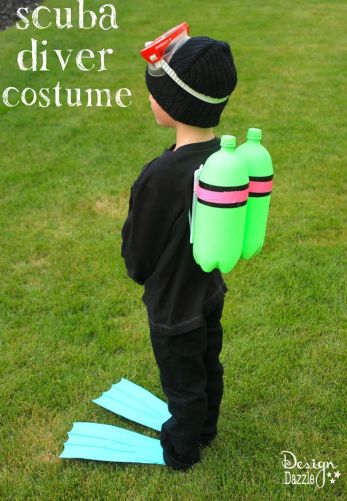 DIY: easy and inexpensive scuba diver halloween costume - Design Dazzle #DIYhalloweencostume, #halloweencostume, #scubadiver: