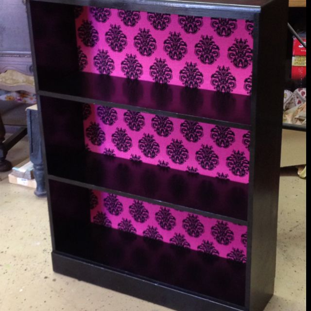25 Best Ideas About Damask Bedroom On Pinterest Black Vanity Table Dressing Stools And Purple Framed Mirrors
