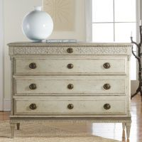 Pretty dresser. I'm such a sucker for ring pulls. (Large ...