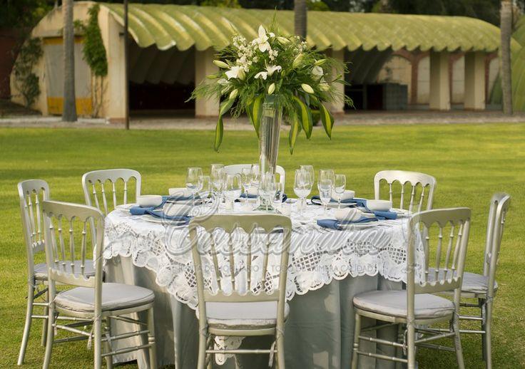 chiavari chair covers for weddings leather wood mantel plata y cubre de brujas con servilleta azul silla versalles plata, podemos jugar la ...