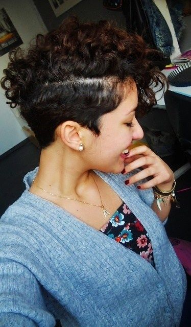 25 Best Ideas About Curly Mohawk Hairstyles On Pinterest Faux