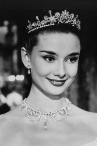 25+ best Audrey hepburn hairstyles ideas on Pinterest ...