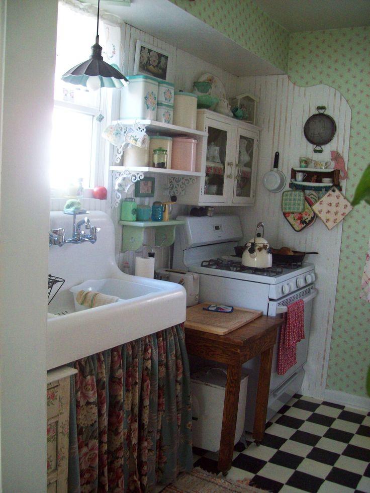 Best 25 Small cottage kitchen ideas on Pinterest  Cozy