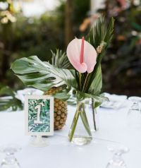 Best 25+ Tropical centerpieces ideas on Pinterest | Luau ...