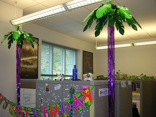 Decorated Cubicles With Palm Trees? :D #cubiclesdecor