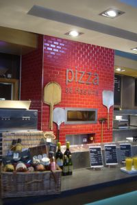 25+ best ideas about Pizza Restaurant on Pinterest ...