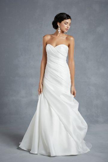 Die 25 Besten Schlichte Hochzeitskleider Ideen Auf Pinterest