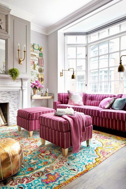 I instantly fell in love when Ashlina shared this chic Manhattan home on The Decorista! The West...