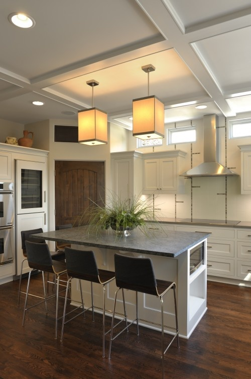 big kitchen island block doing a corner pantry with 3 or 4 foot cabinet ...