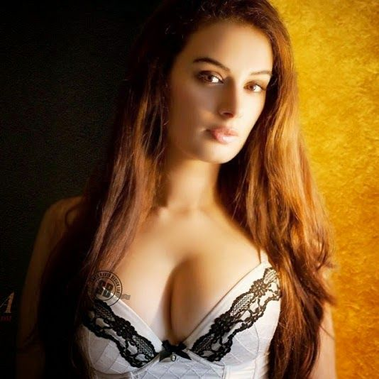 Dimple Girl Wallpapers Most Sexiest And Hot Bollywood Actress Hot Bollywood