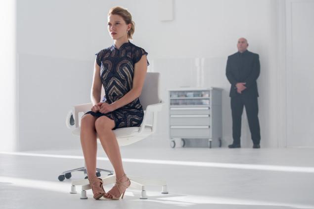 James Bond Spectre Lea Seydoux Interstuhl Silver Chair in