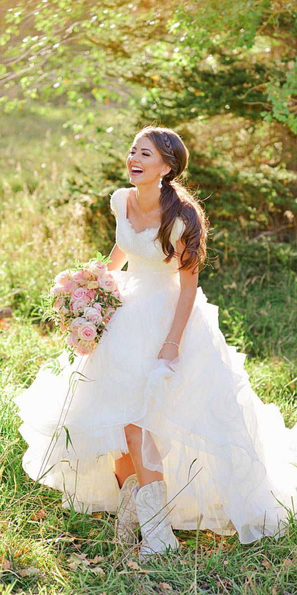 Top 25 ideas about Country Wedding Gowns on Pinterest  Country wedding dresses Country western