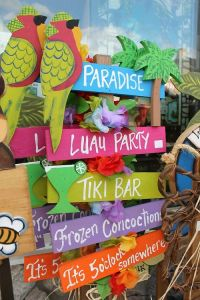 Tropical / Luau Party Ideas | Beach party, Beaches and ...