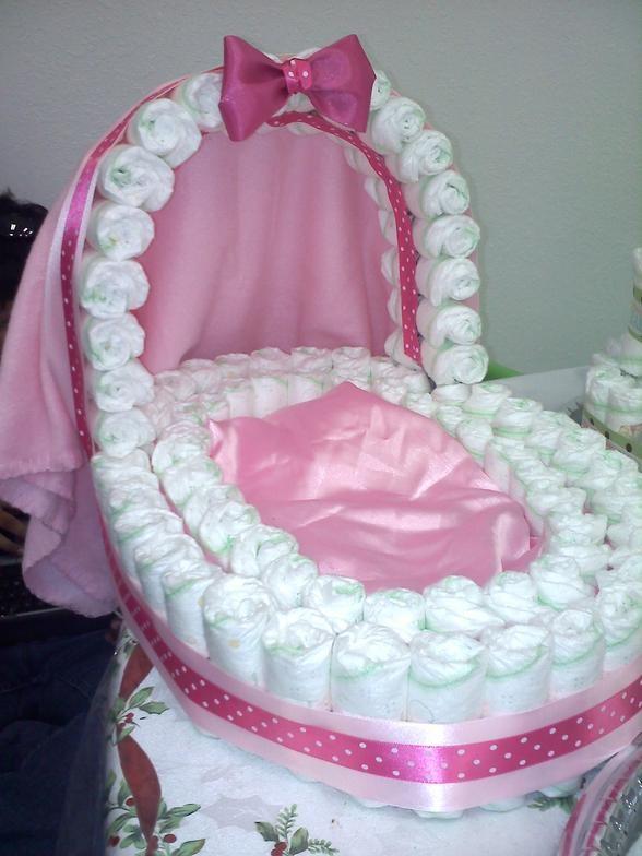 Diaper cradle centerpiece