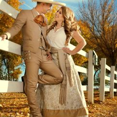 Mr And Mrs Chair Signs Two Person Outdoor Table Chairs 25+ Best Ideas About Charro Wedding On Pinterest